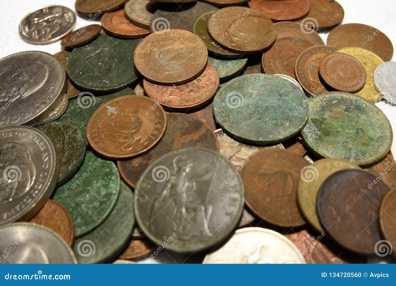 堆老葡萄酒英国和欧洲硬币