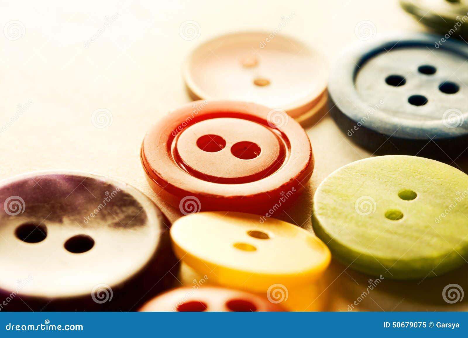 Download 堆许多按钮 库存图片. 图片 包括有 编组, 许多, 蓝色, 按钮, 来回, 宏指令, 绿色, 不同, 特写镜头 - 50679075