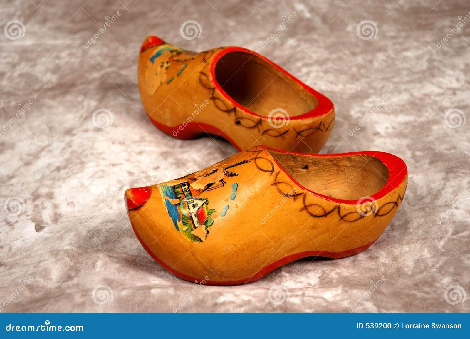 Download 堵塞荷兰 库存照片. 图片 包括有 服装, 障碍物, 鞋子, 荷兰, 荷兰语, 纪念品, 痛饮, 方式, 木头 - 539200