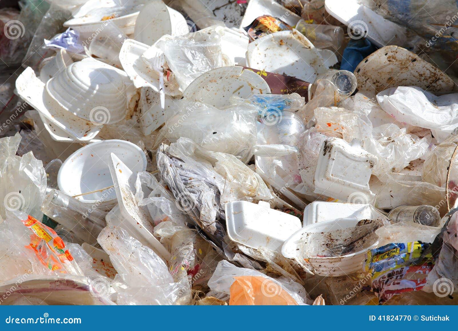 塑料和泡沫垃圾