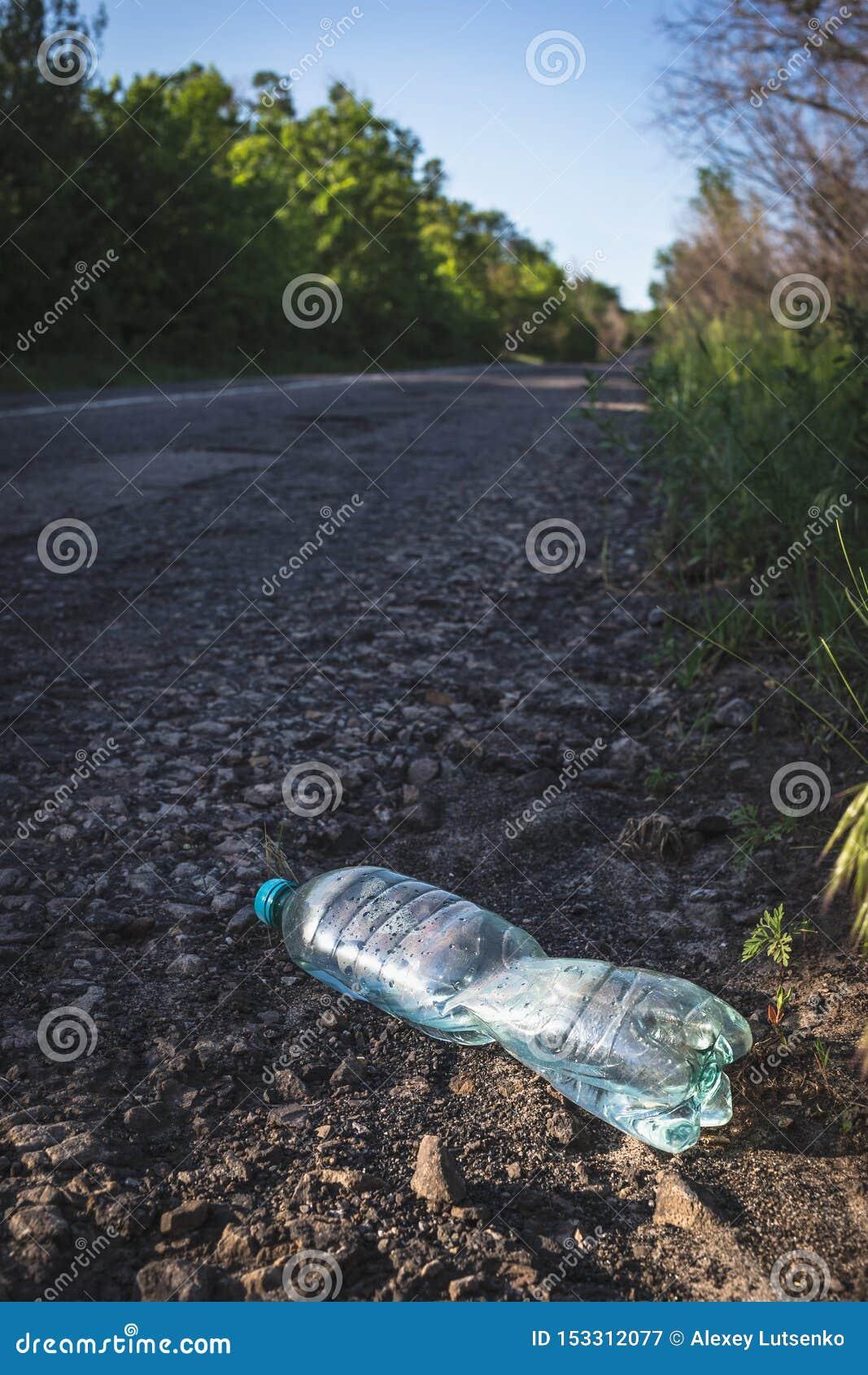 塑料瓶用由路的水