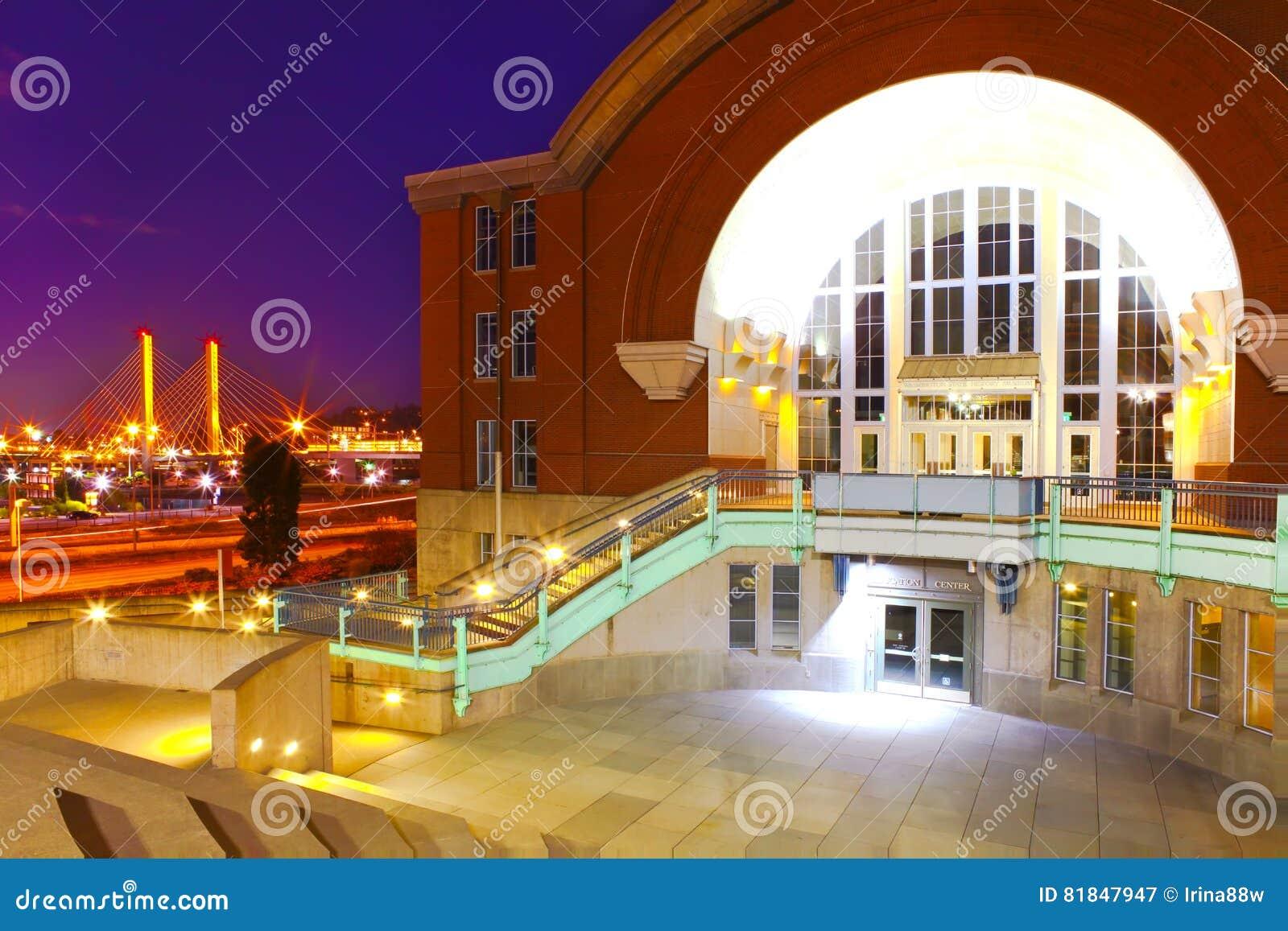 塔科马街市与历史记录和电缆桥梁博物馆