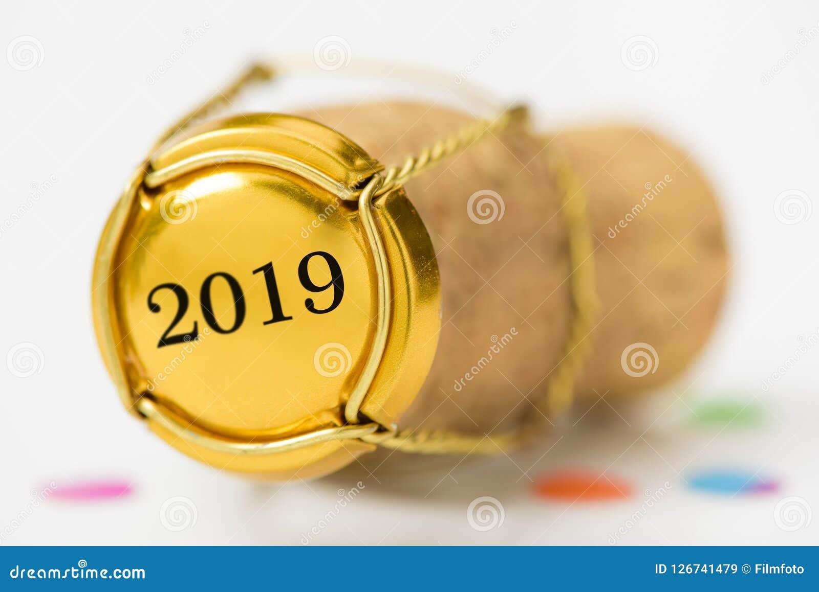 塞住香槟停止者与新年` s日期2019年