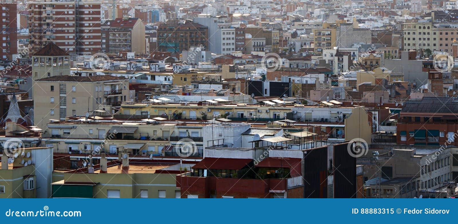 巴塞罗那屋顶和房子