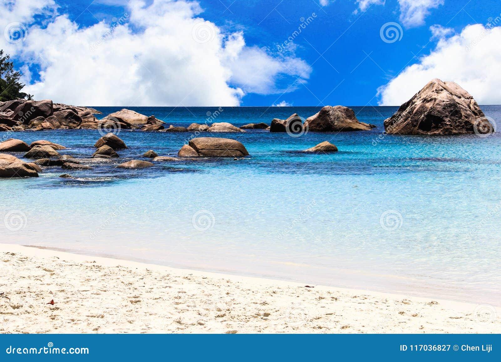 塞舌尔群岛普拉兰岛Anse拉齐奥海滩