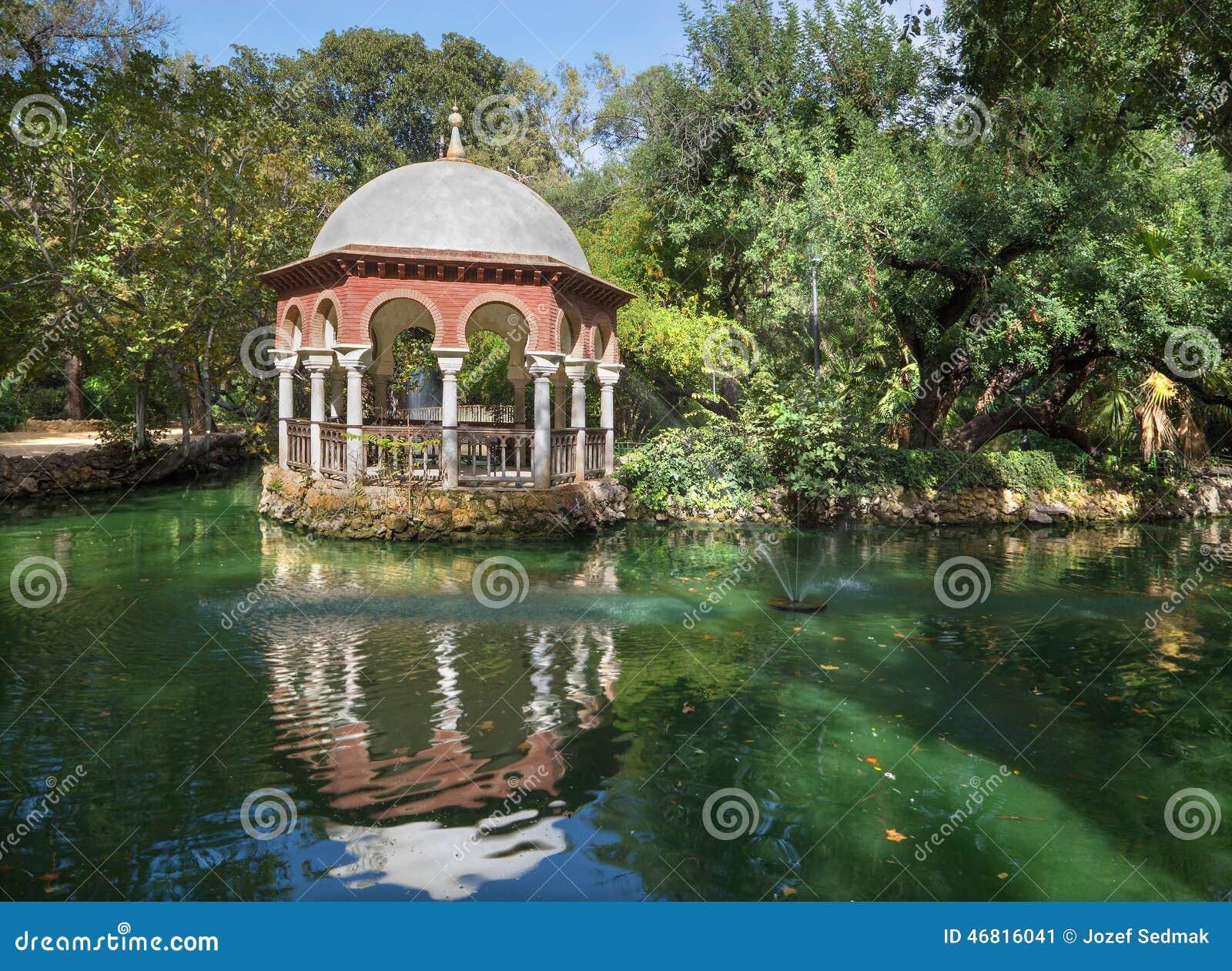 塞维利亚-避暑露台玛丽亚路易莎别墅和公园湖.吗封好庭院全别墅图片