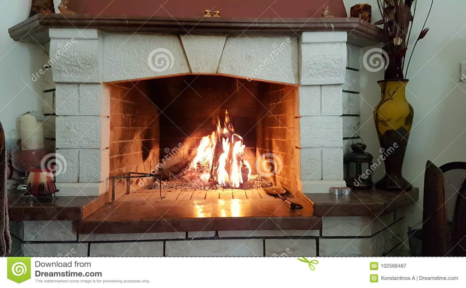 壁炉火大理石热冬天