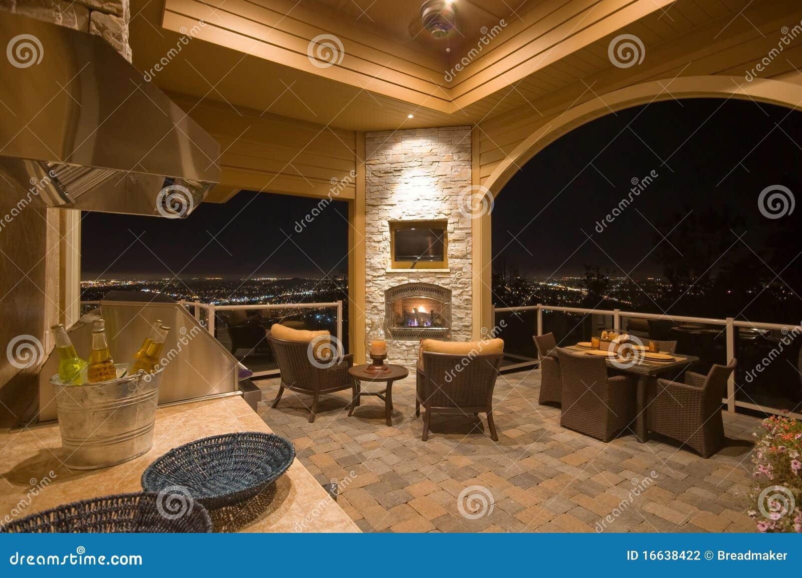 壁炉用装备的露台