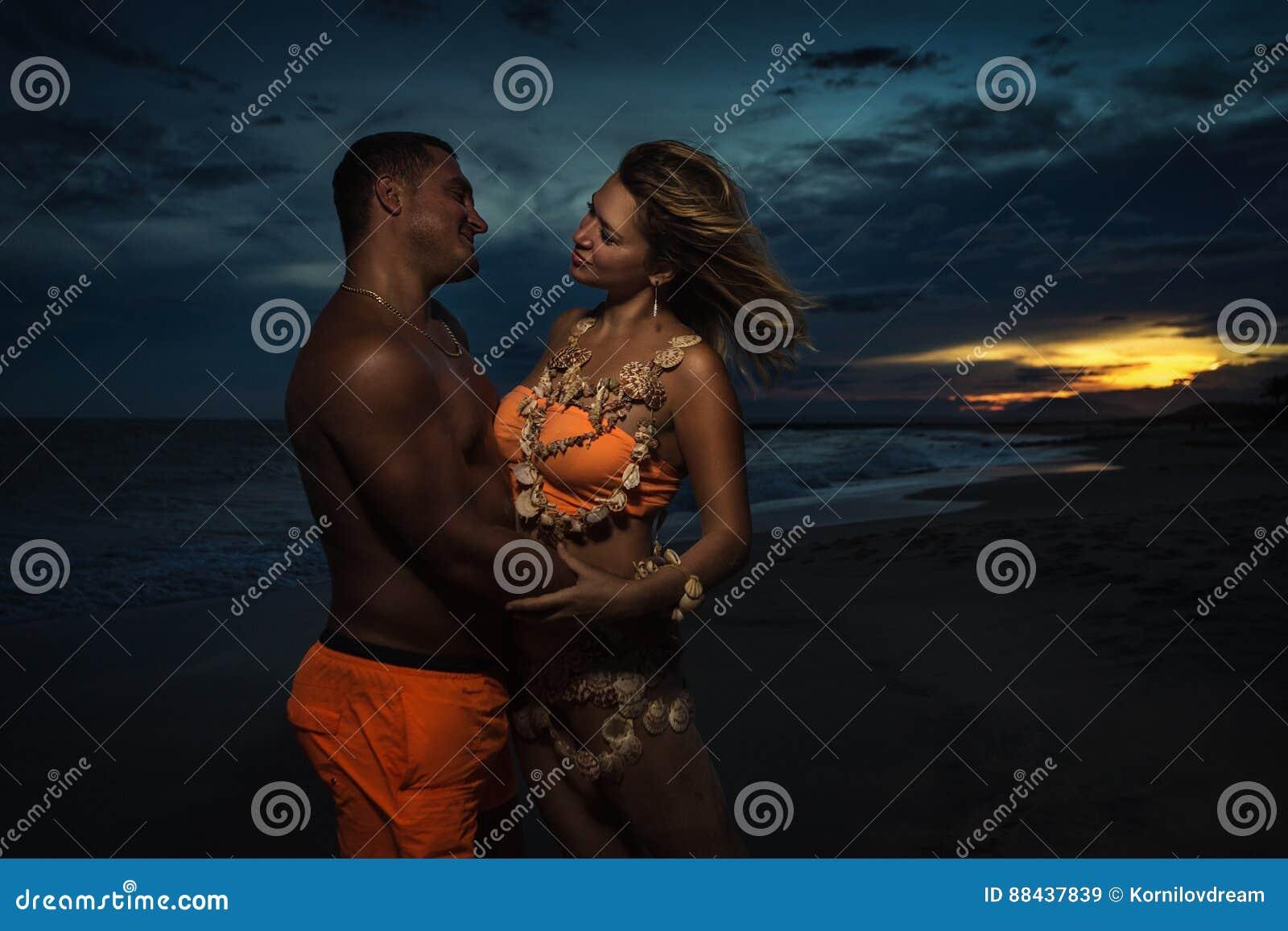 壳的妇女与她的人