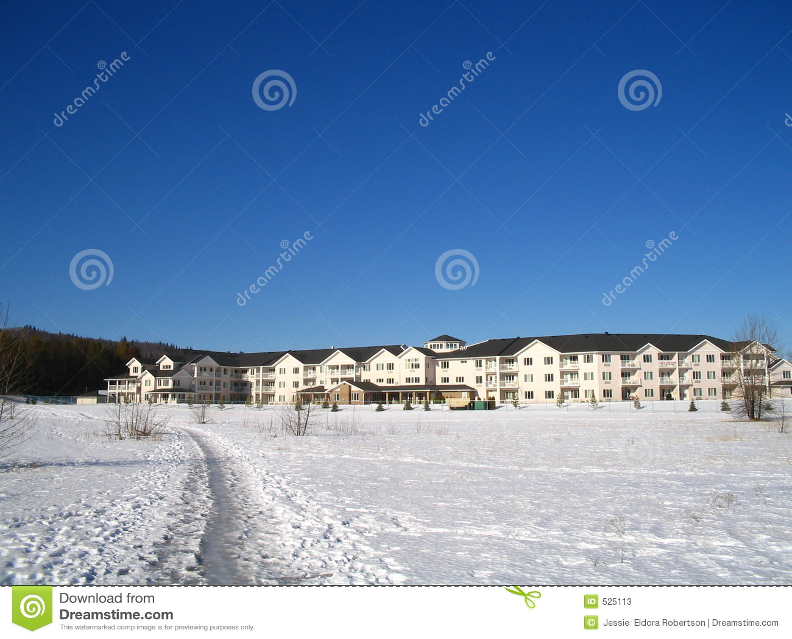 Download 复杂住房前辈 库存图片. 图片 包括有 冷漠, 降雪, 行业, 国家(地区), 多层, 最近, 农村, 冬天 - 525113