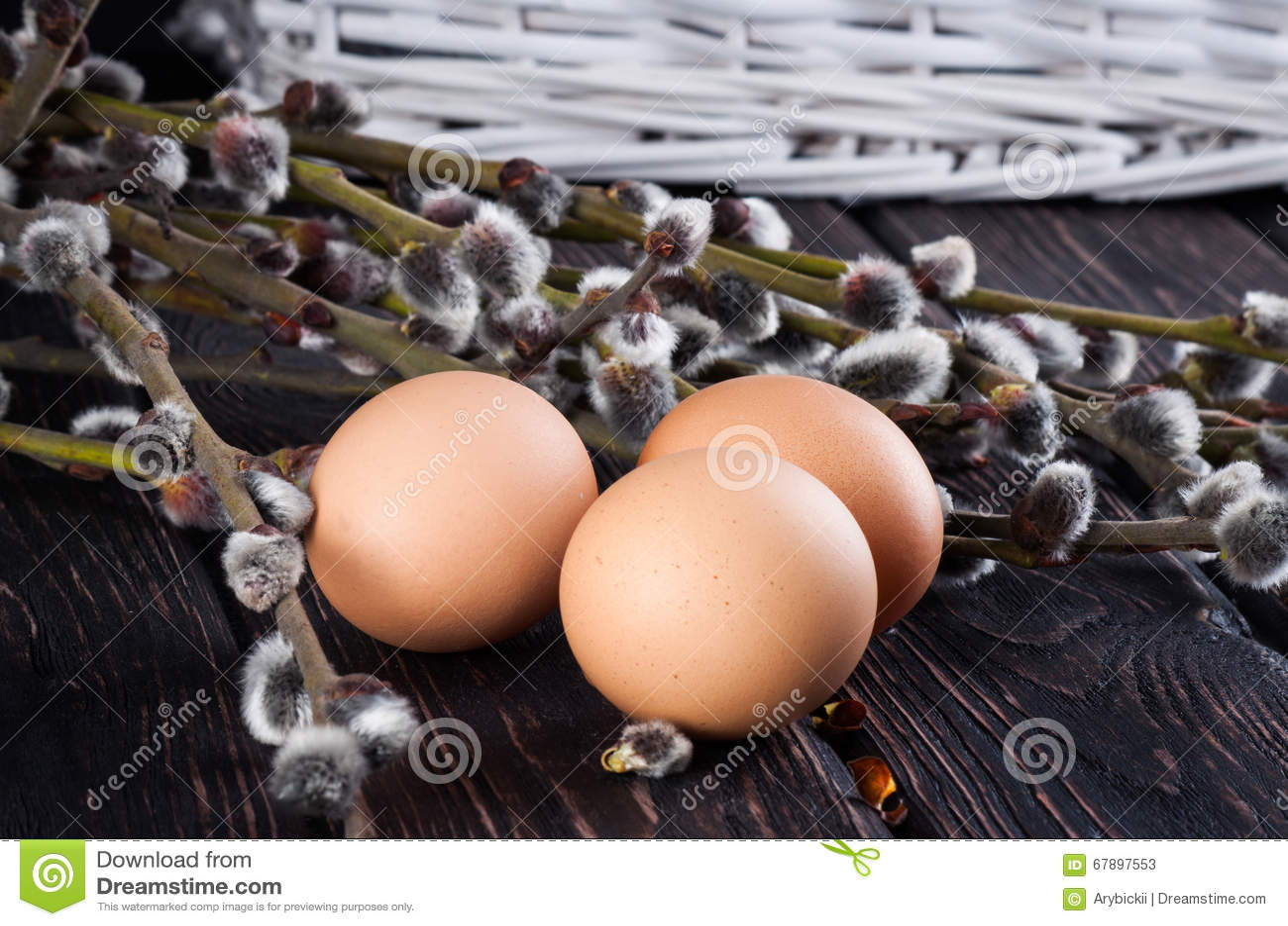 复活节彩蛋和杨柳分支