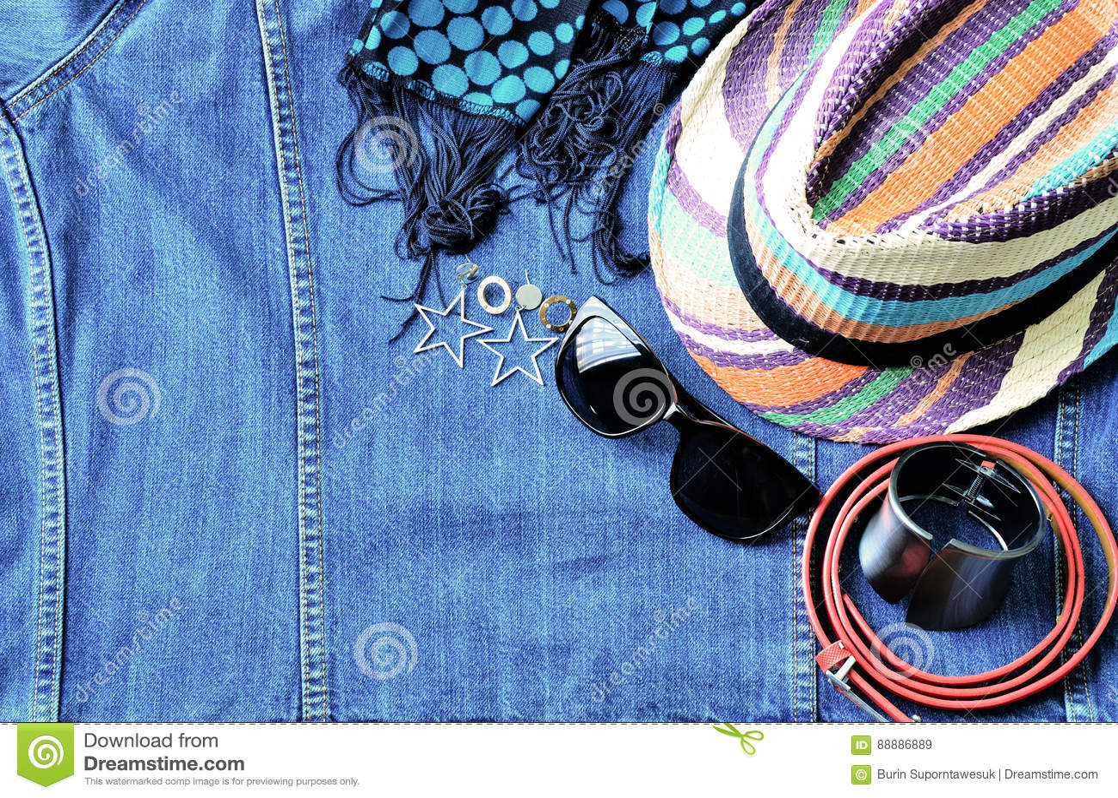 夏天辅助部件顶视图现代妇女的牛仔布斜纹布ba的