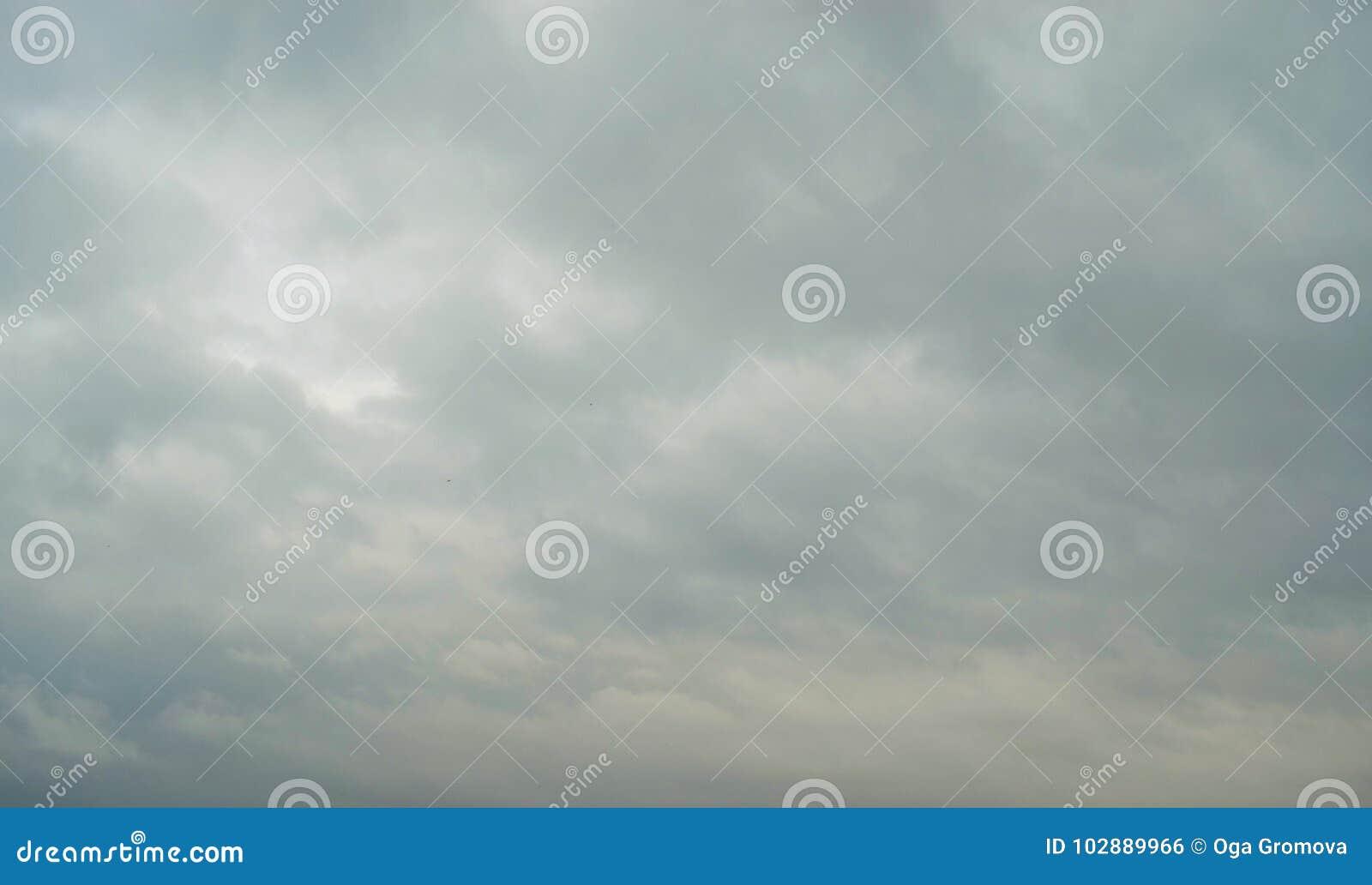 多云天空阴云密布