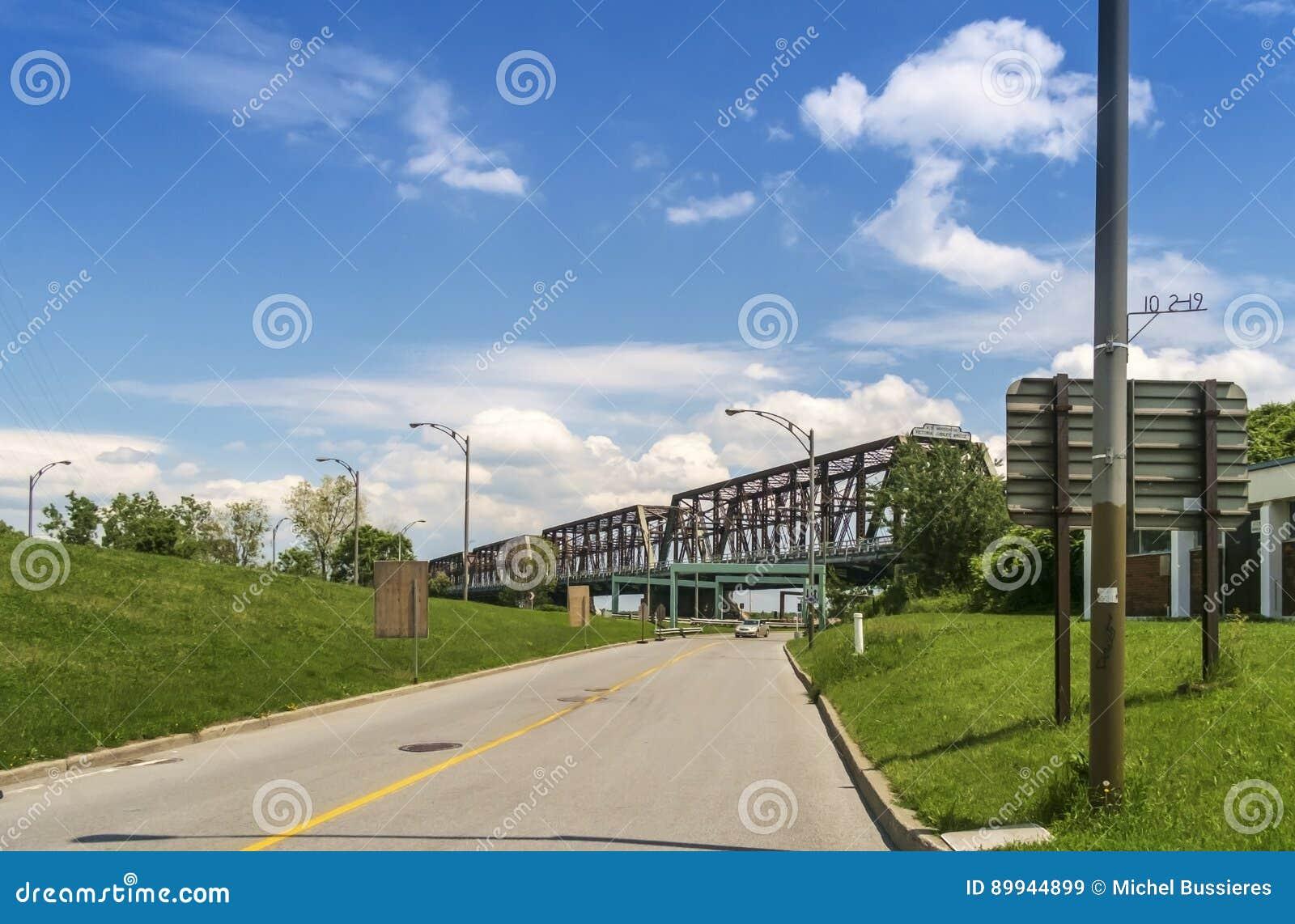 维多利亚桥梁蒙特利尔
