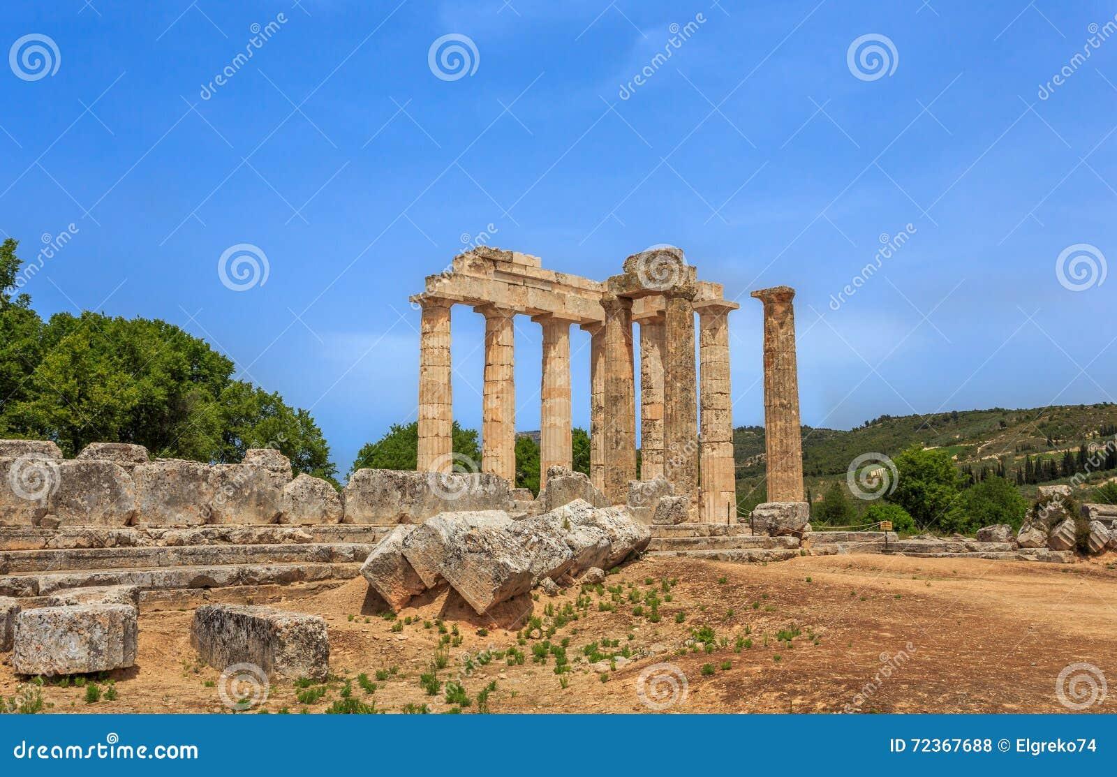 多立克体寺庙废墟在古老Nemea,科林西亚州