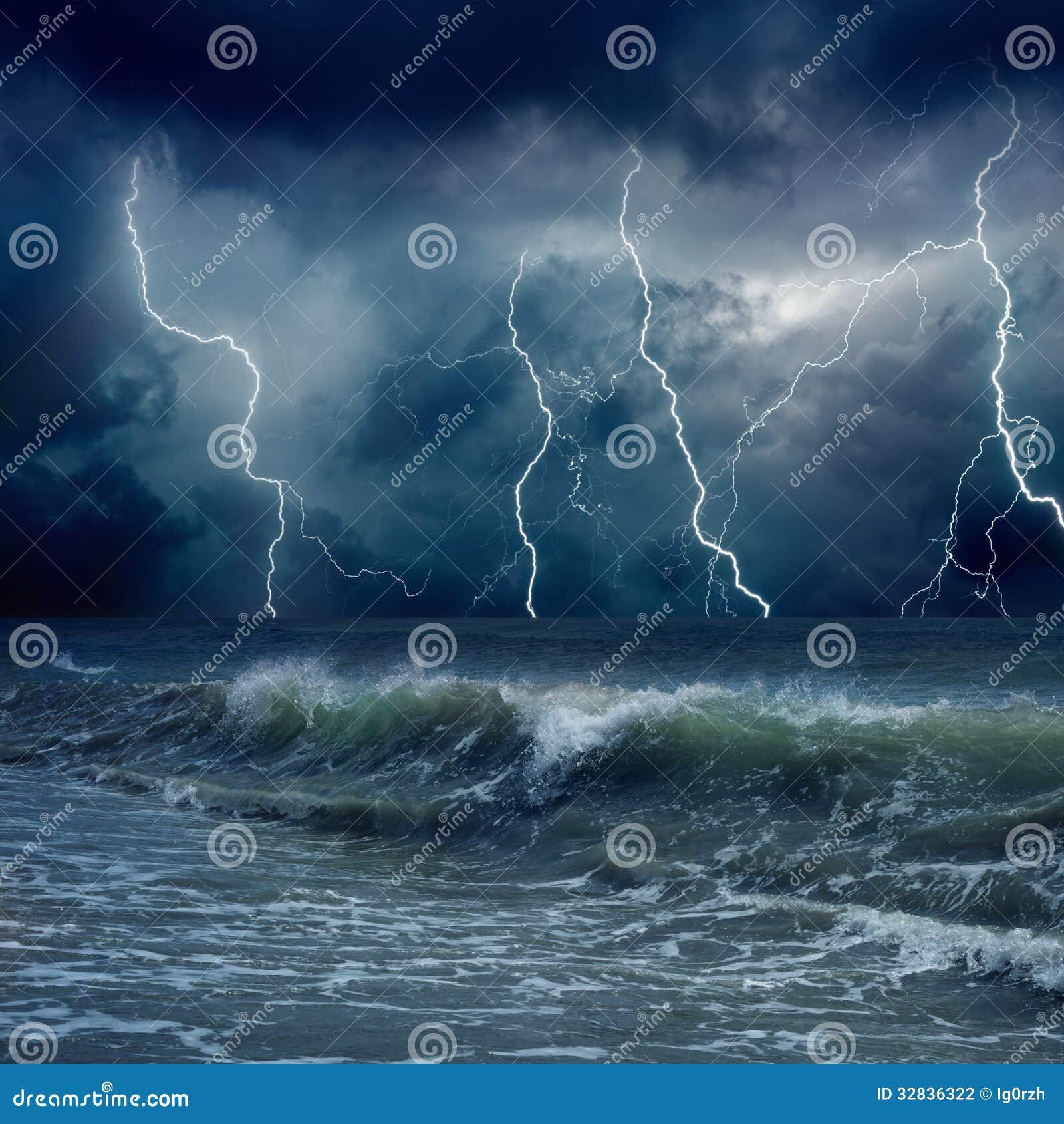 暴风雨効�+�.9.*��f�kd_多暴风雨的天气