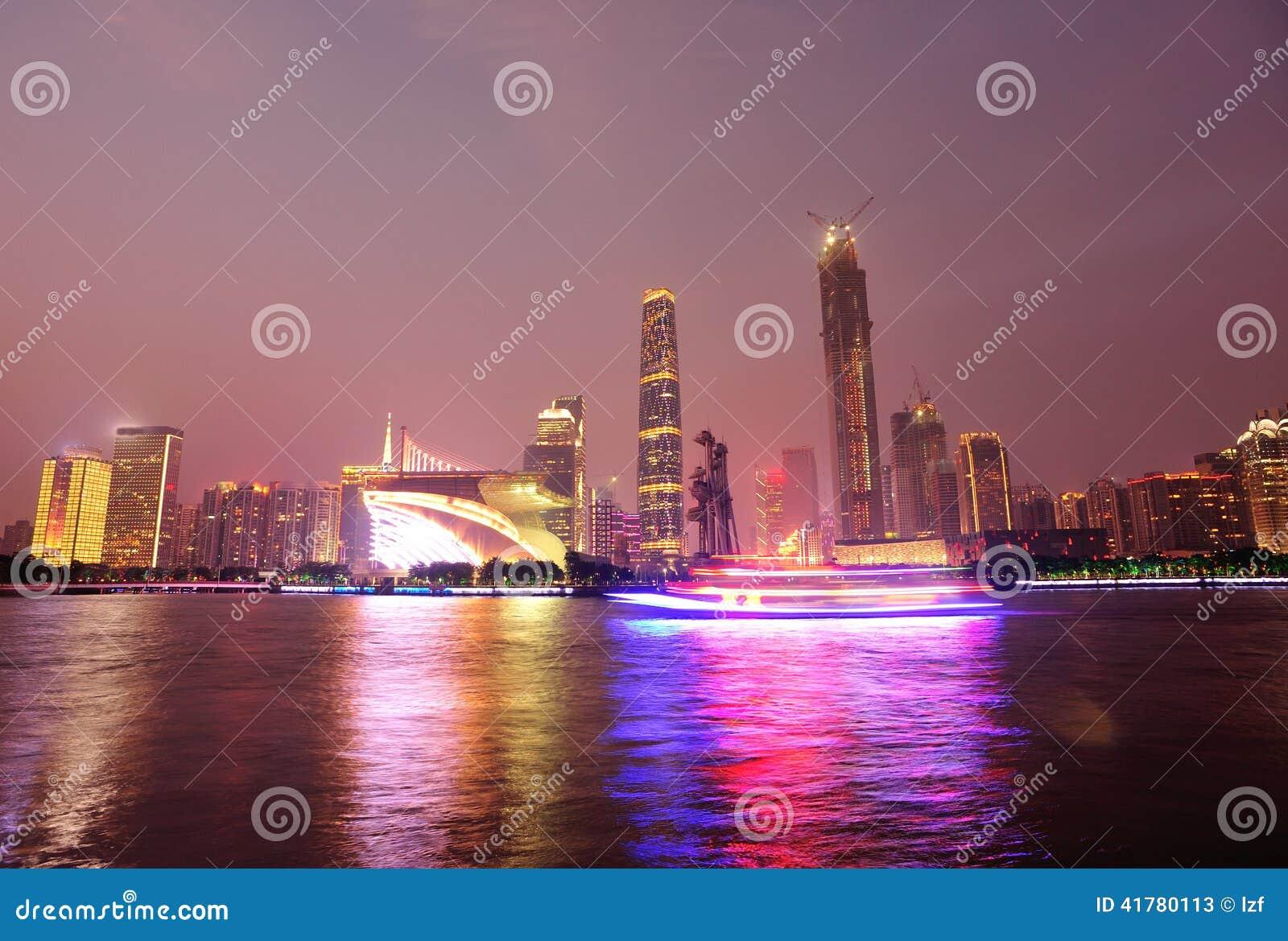 夜场面在广州市