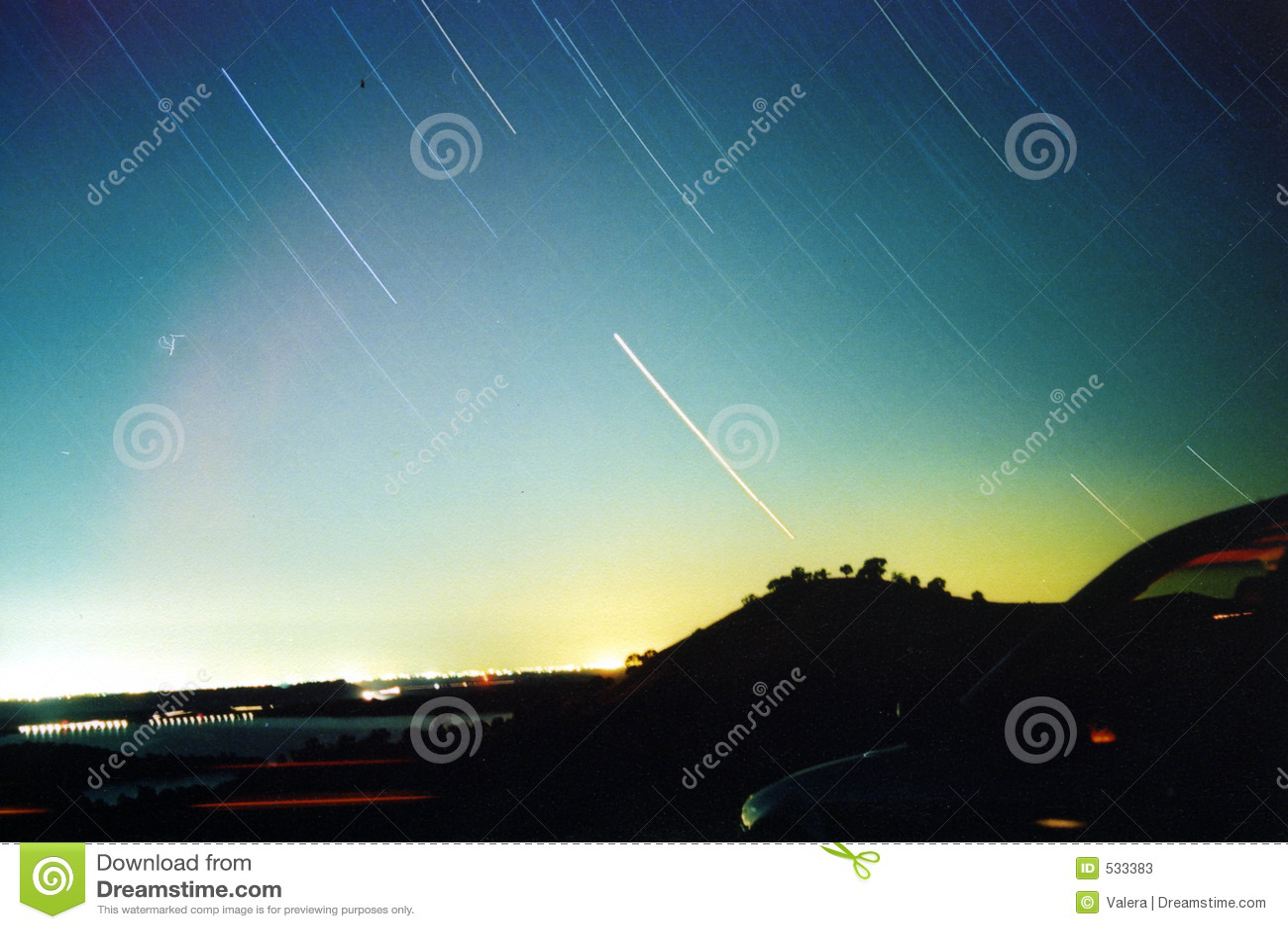 Download 夜空 库存图片. 图片 包括有 视图, 城市, 晒裂, 晚上, 眺望, 阵营, 星形, 仍然, 逃走, 飞星 - 533383