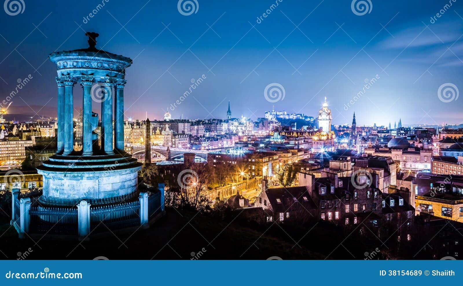 夜视图的爱丁堡从Calton小山