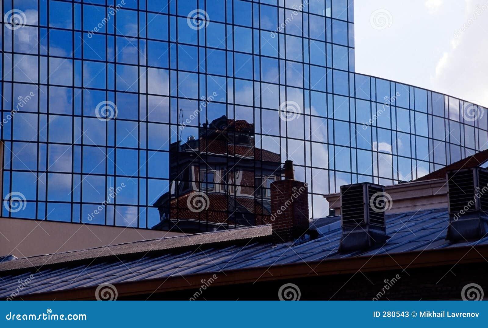 大厦新的老反映