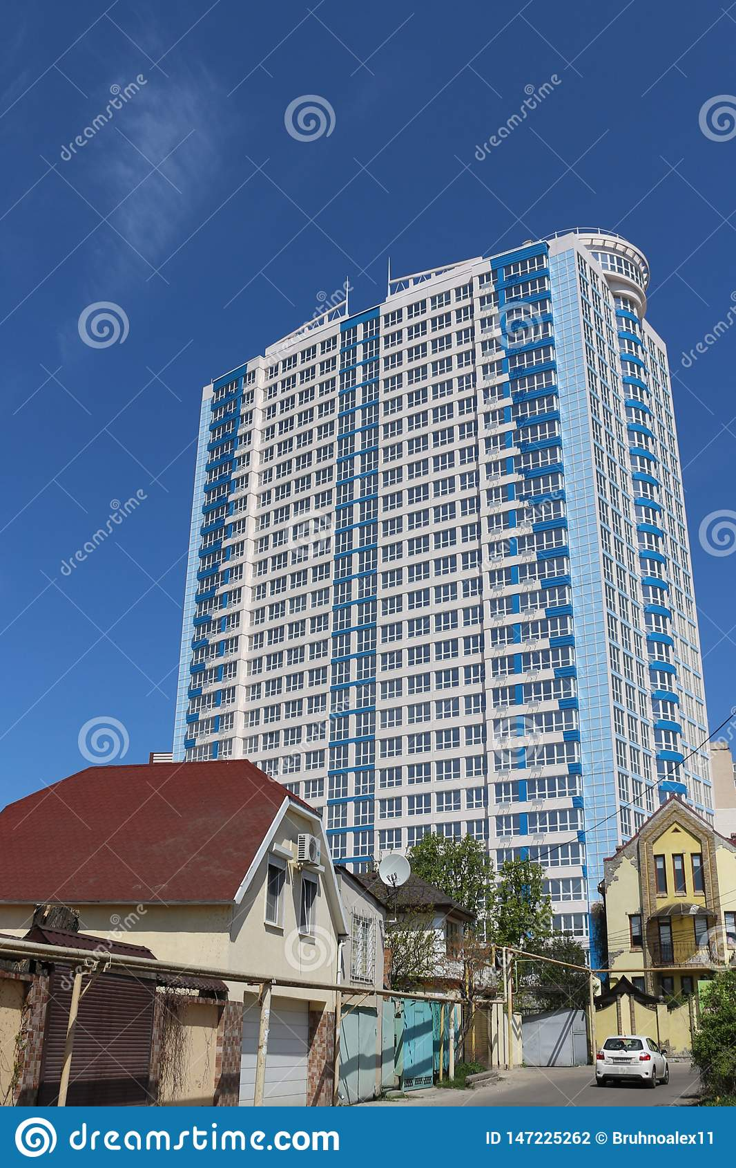 ?? 大大厦 新的大厦 r ?? E 二层的私有房子