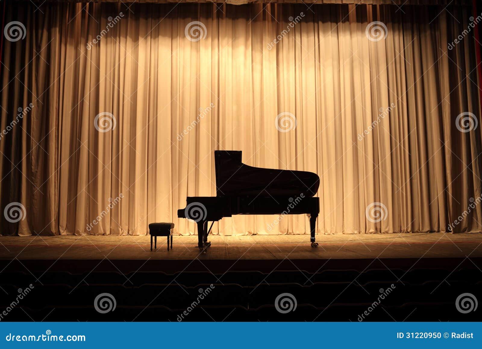 大平台钢琴