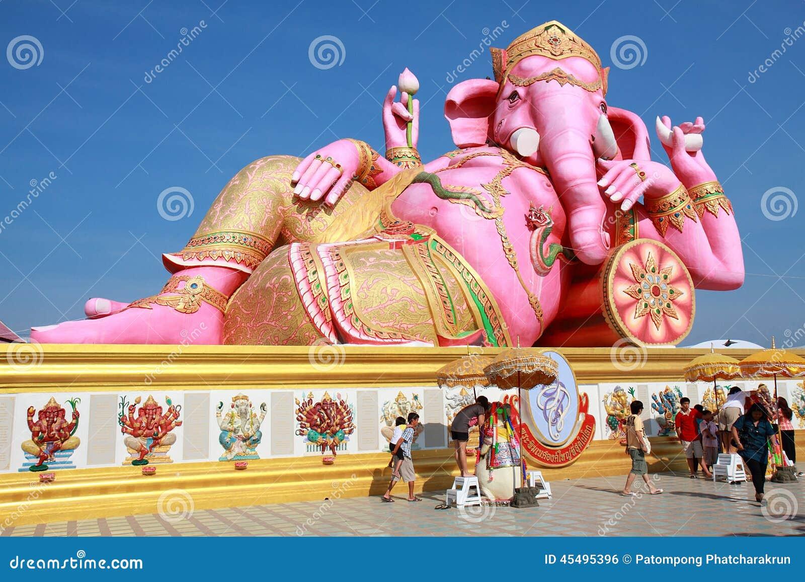 大桃红色Ganesha雕象