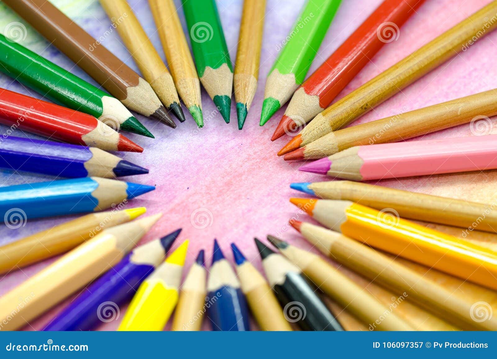 豪华大色站_大色的铅笔特写镜头