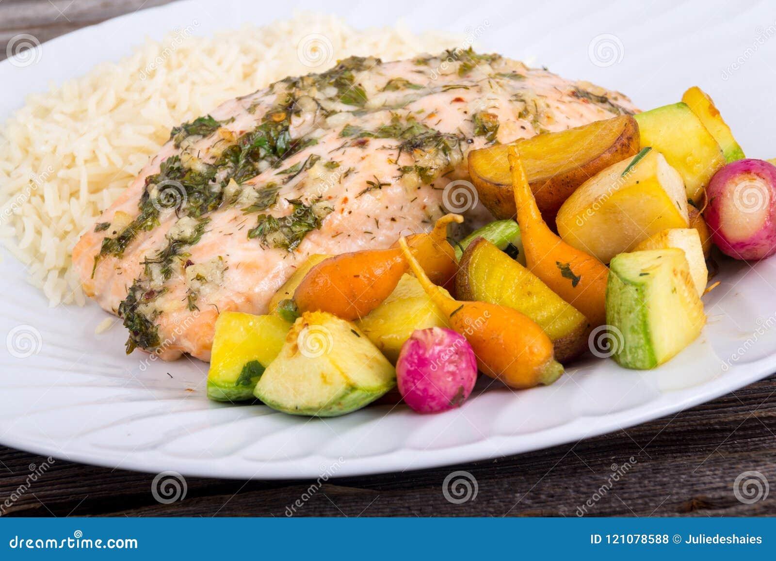 大蒜与小菜的草本三文鱼