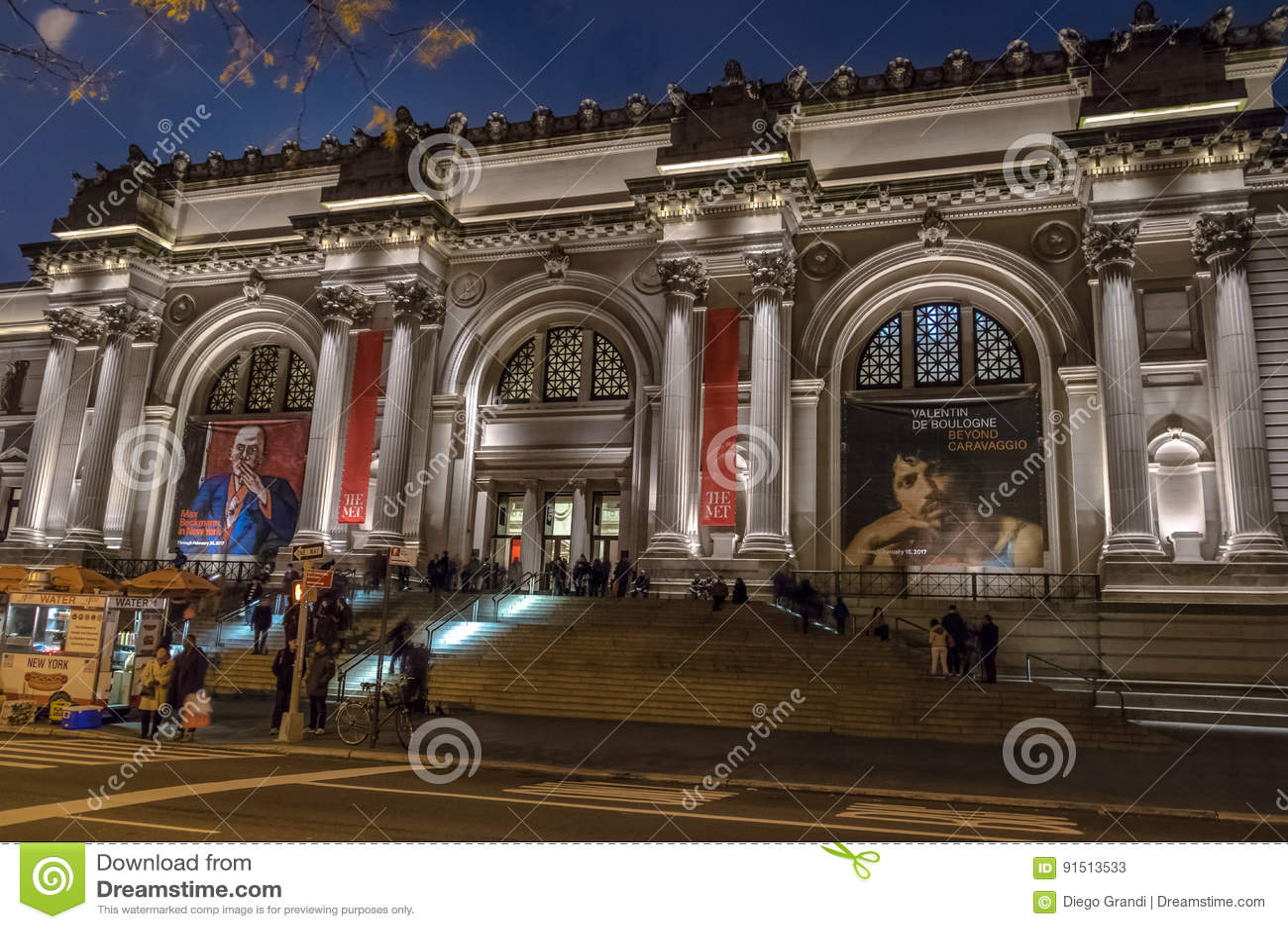 大都会艺术博物馆在晚上-纽约,美国