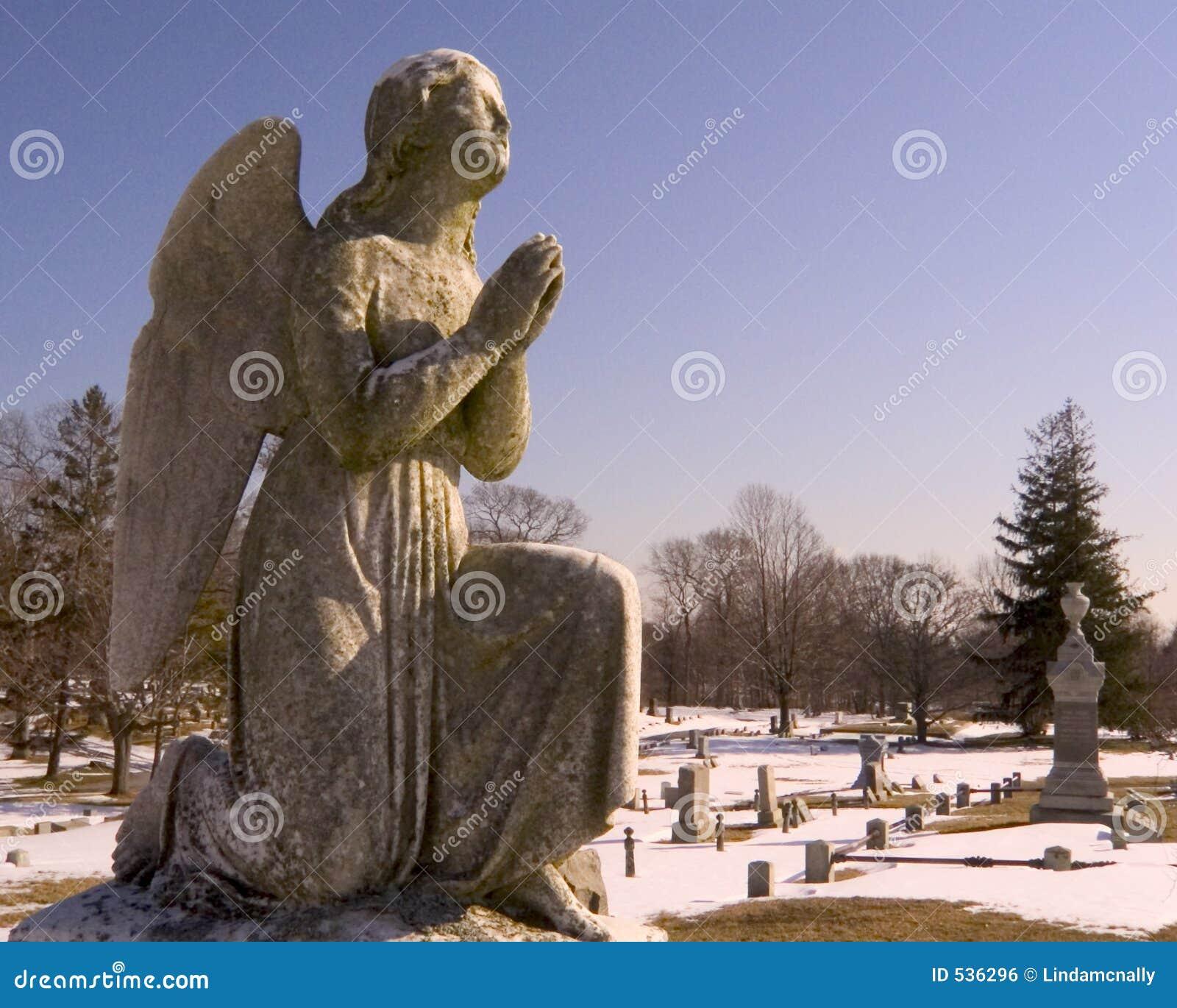 Download 天使墓地祈祷 库存照片. 图片 包括有 祈求, 任命的, 天堂般, 服务, orison, 神圣, 精神, 雍容 - 536296