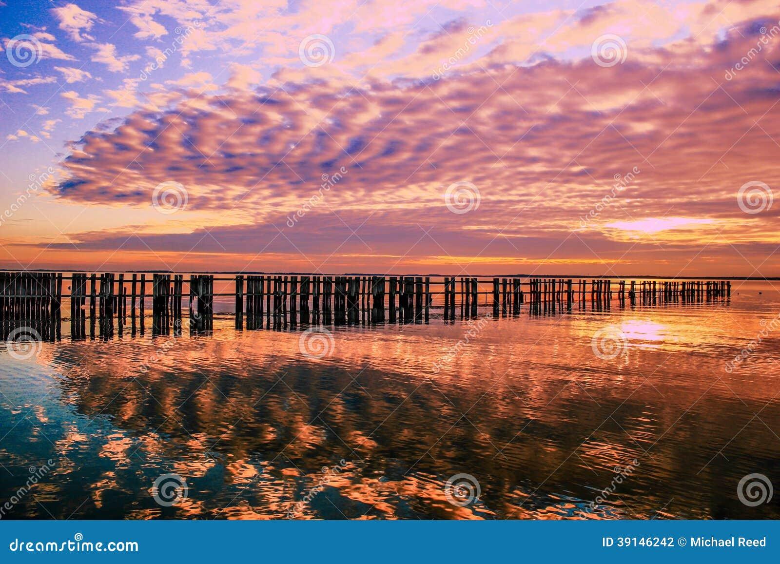 太阳在海湾设置了