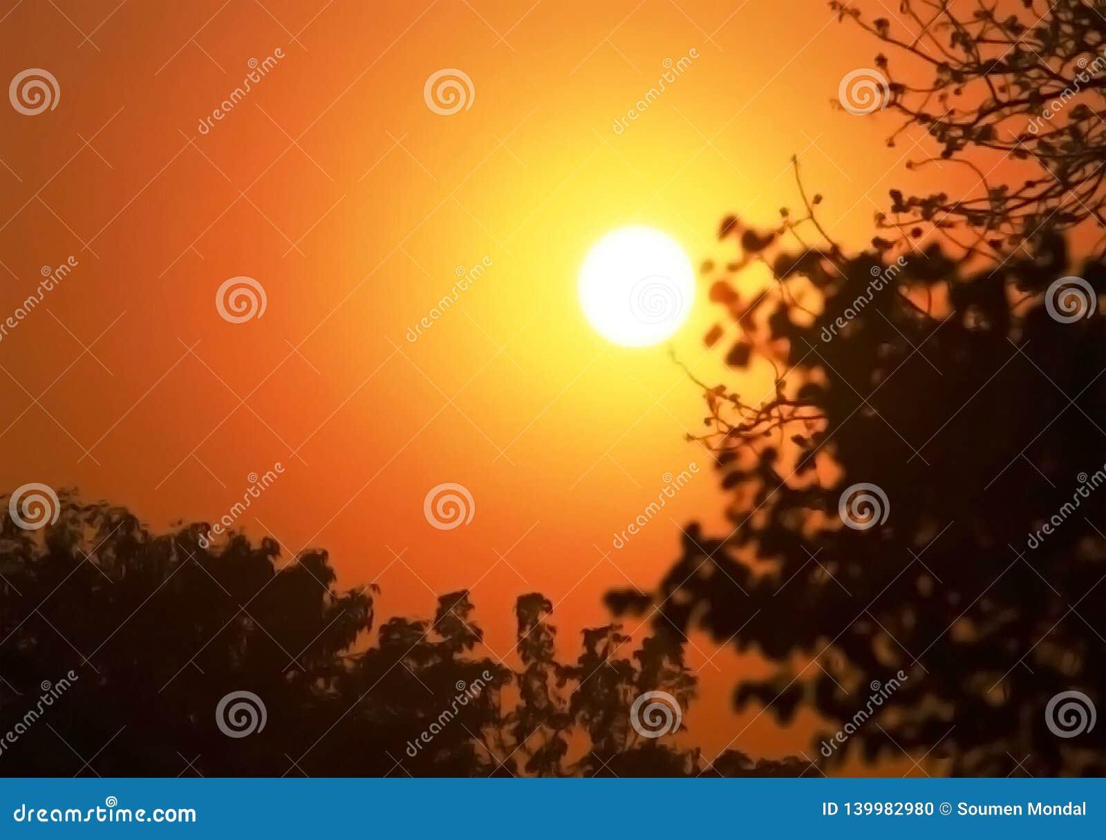 太阳落山在城市生活
