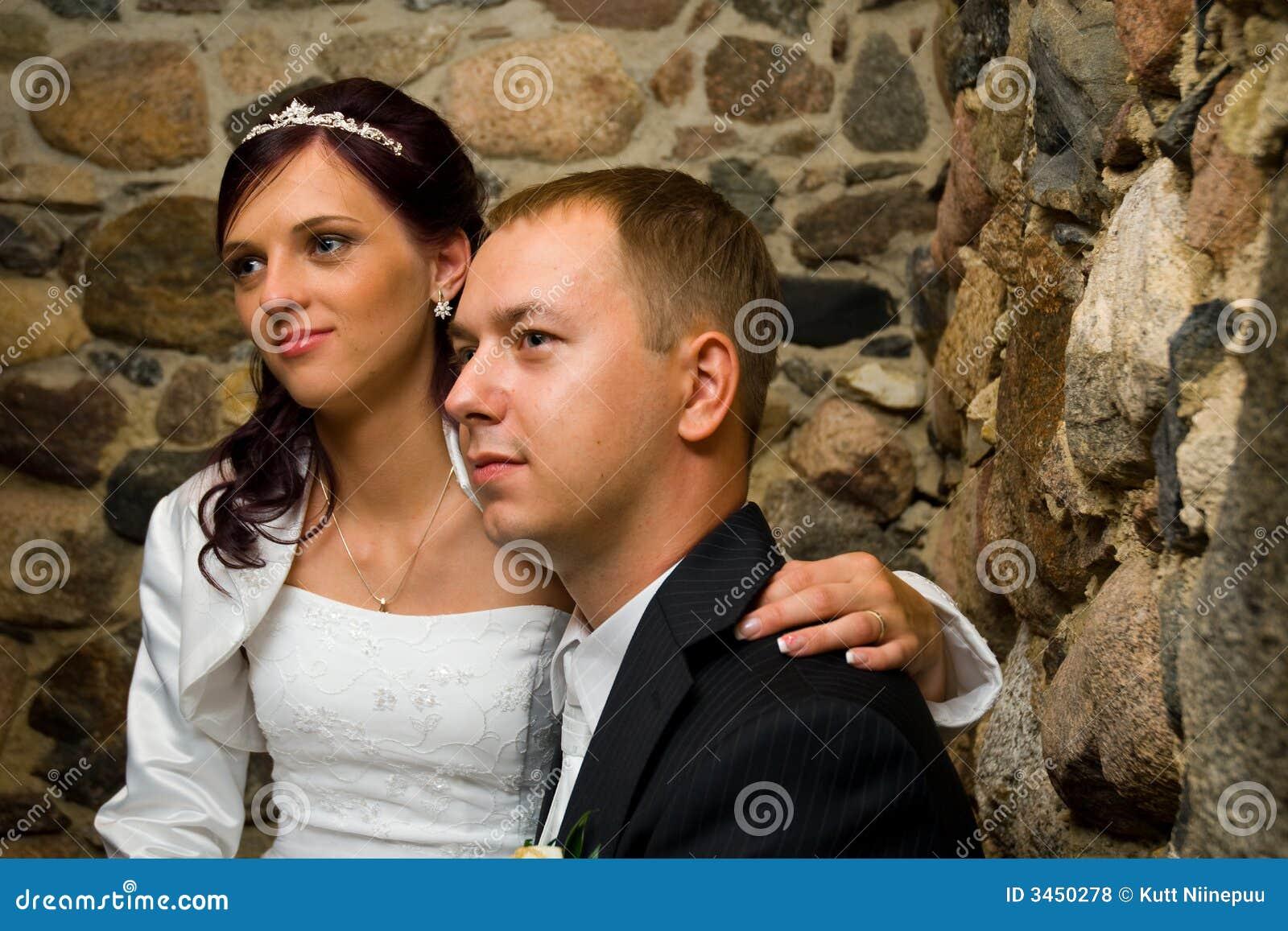 夫妇结婚的年轻人