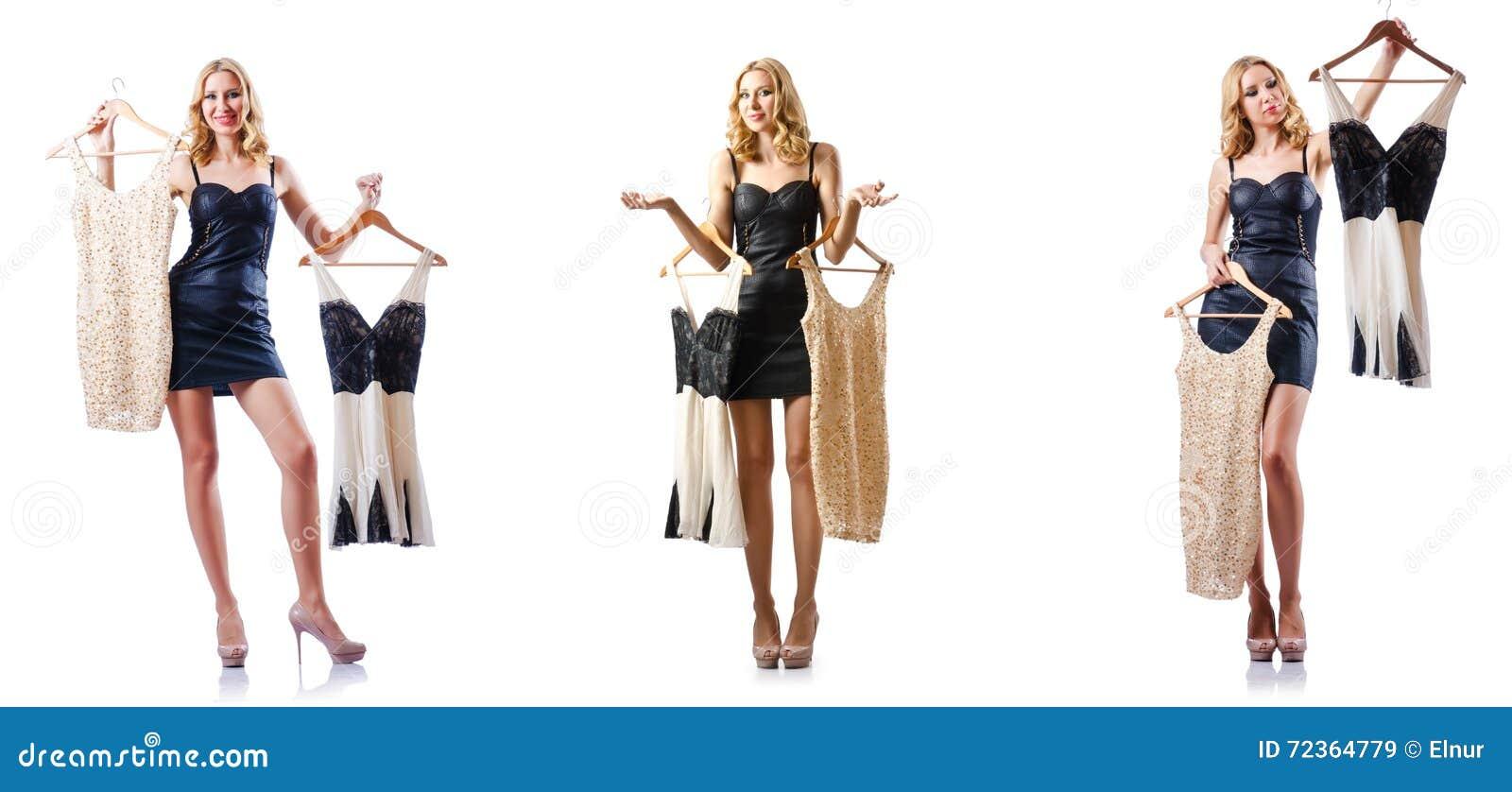套与尝试新的衣物的妇女的照片