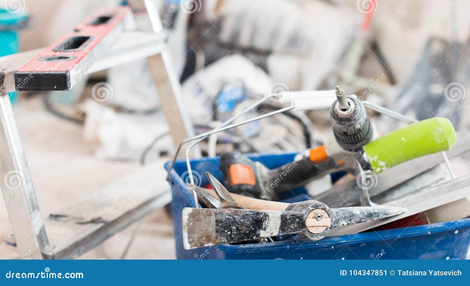 套为修理前提的建筑工具