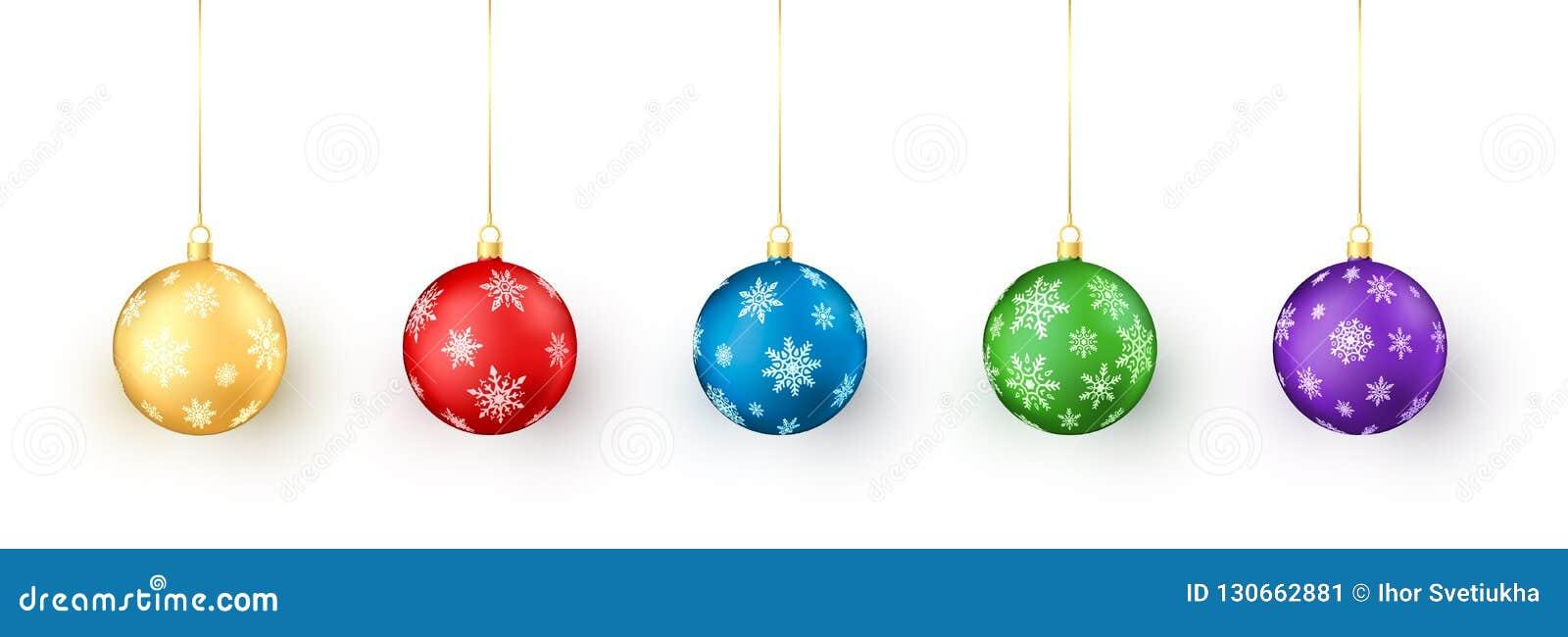 套在空白背景的圣诞节球 五颜六色的圣诞节和新年由雪花的玩具装饰