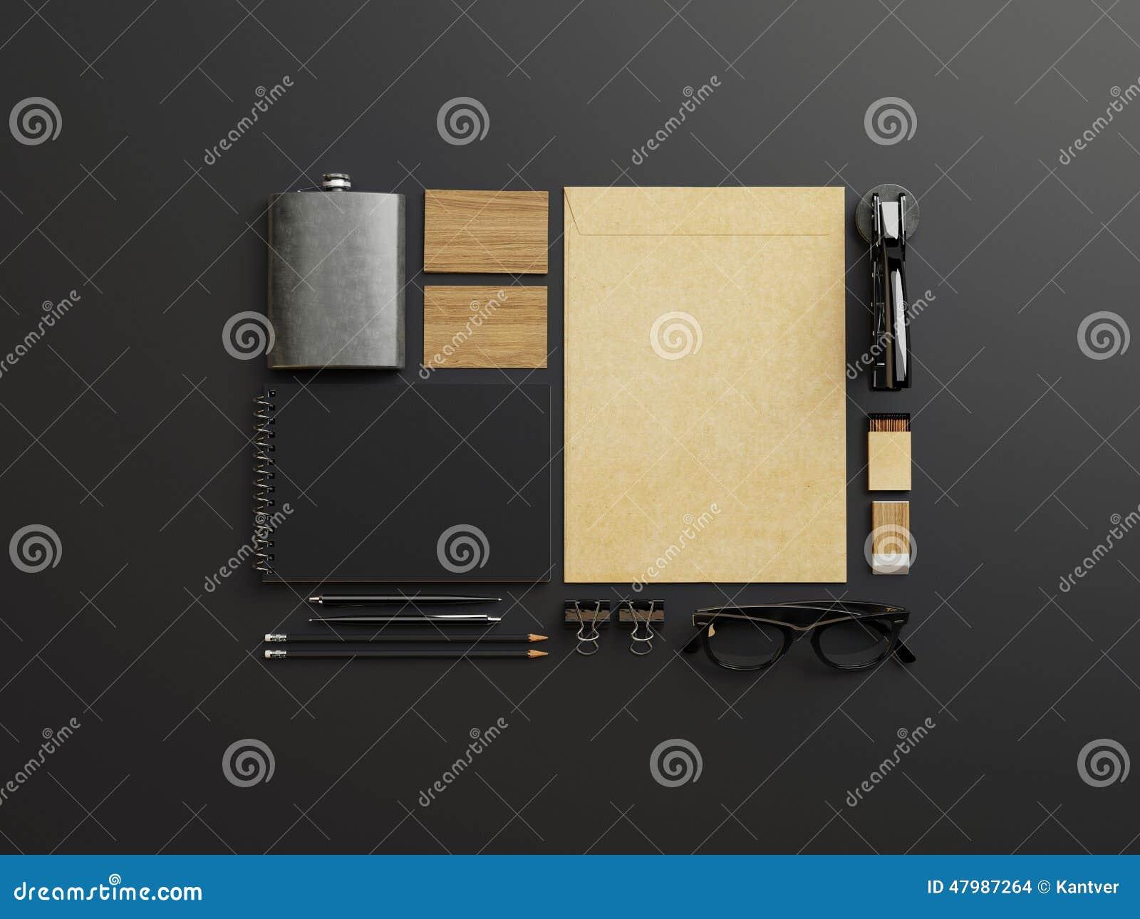 套黑色和工艺烙记的元素