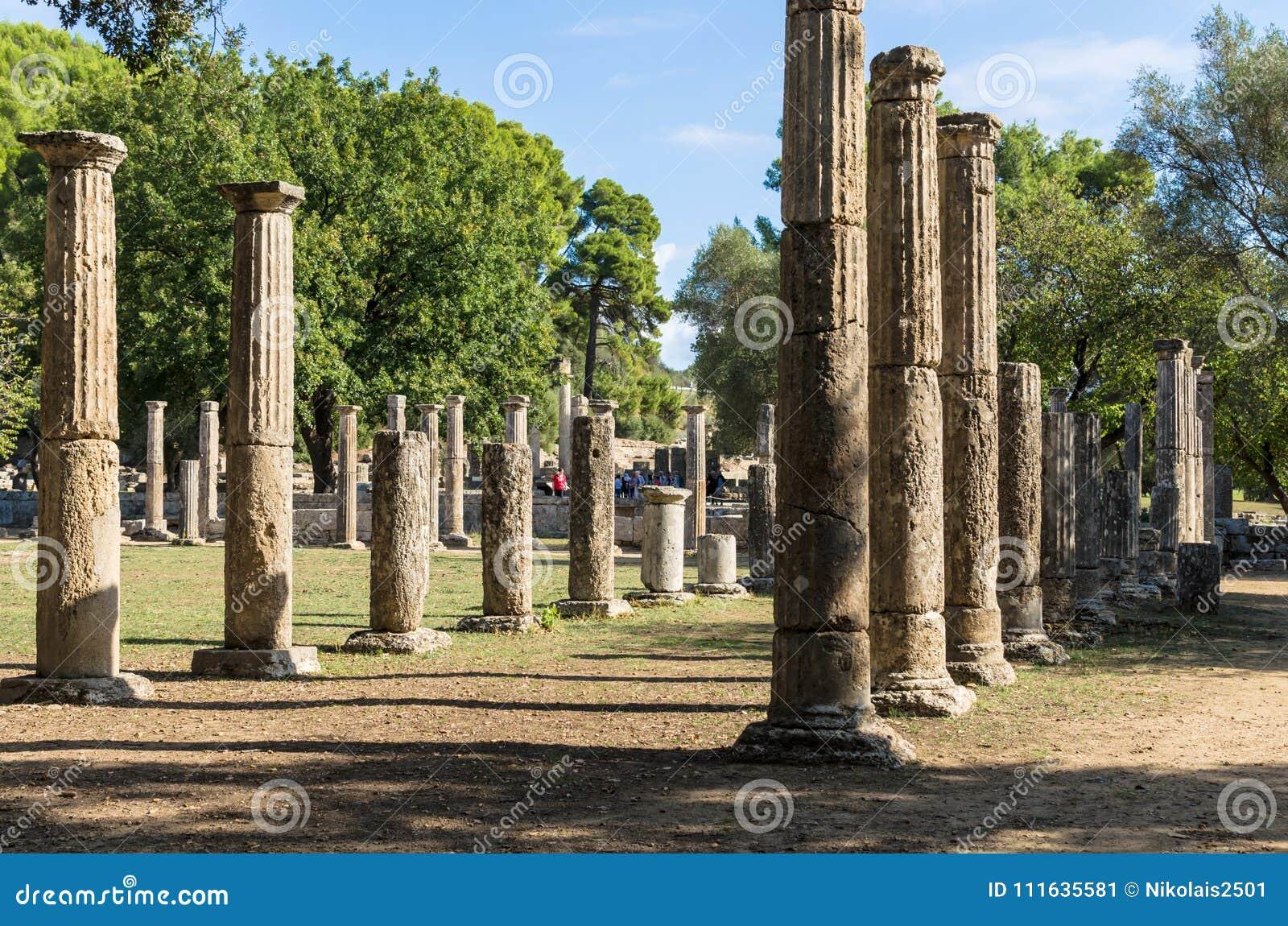 奥林匹亚,希腊- 2017年10月31日:古老奥林匹亚,伯罗奔尼撒半岛,希腊的废墟