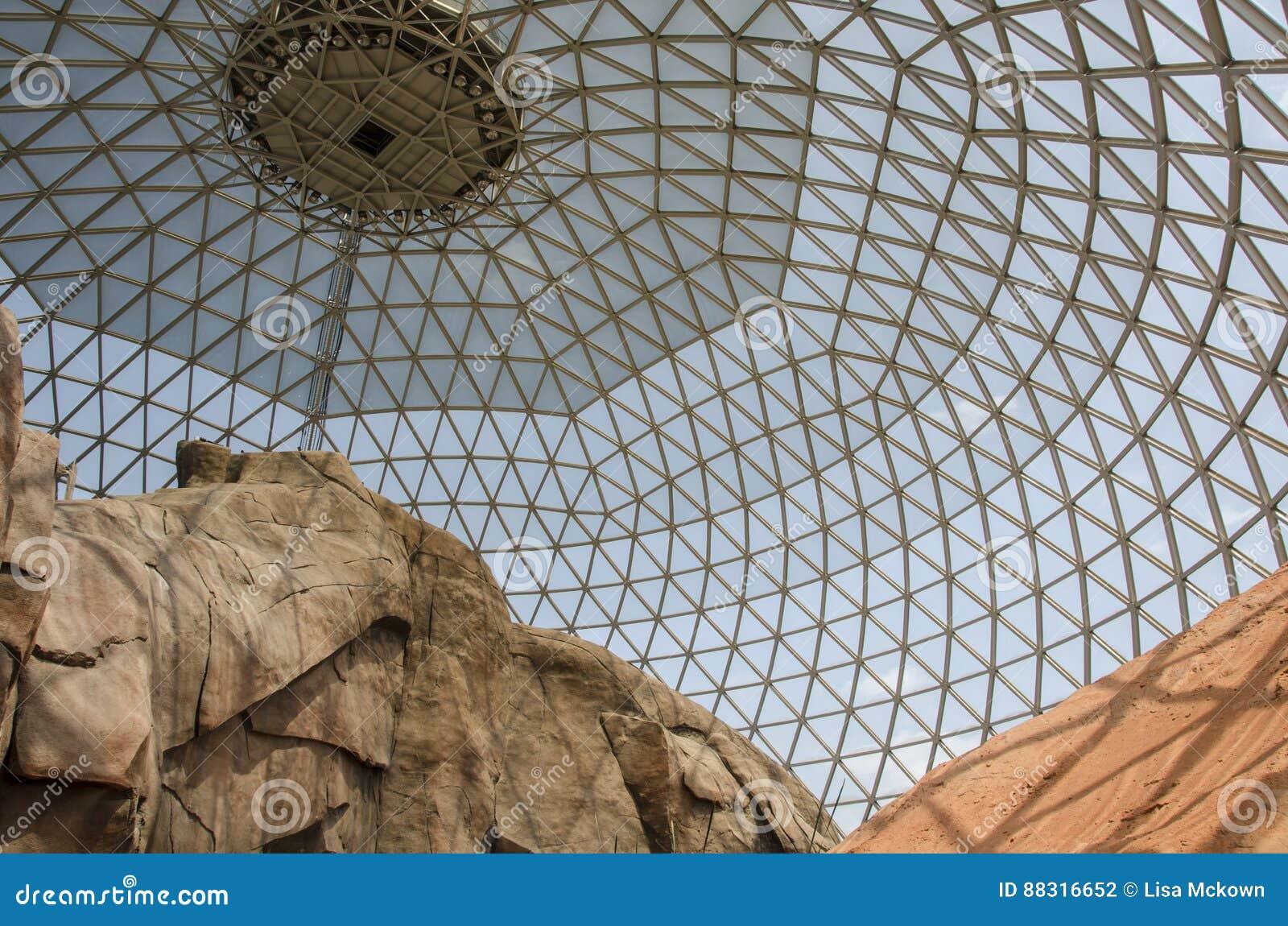 奥马哈` s亨利Doorly动物园沙漠圆顶