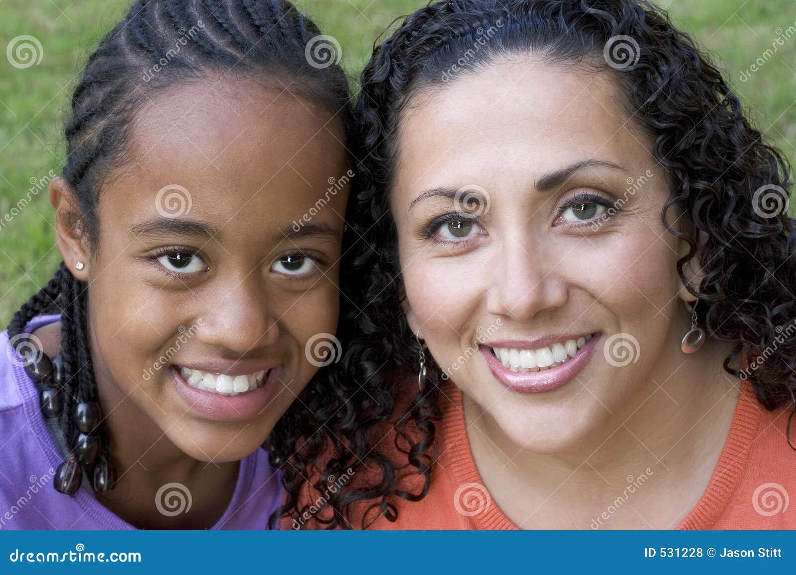 Download 女儿母亲 库存照片. 图片 包括有 大使, 妇女, 系列, braincells, 妈妈, 母亲, 人们, 微笑 - 531228