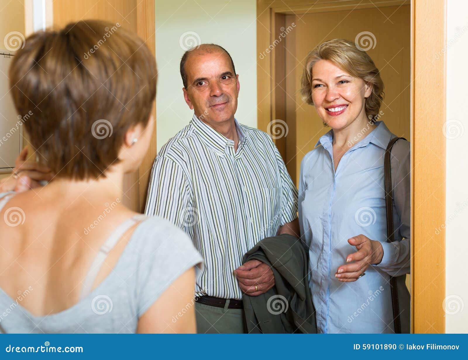 女儿门限的问候父母