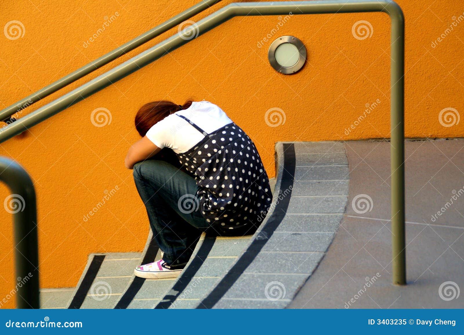 女孩偏僻的台阶