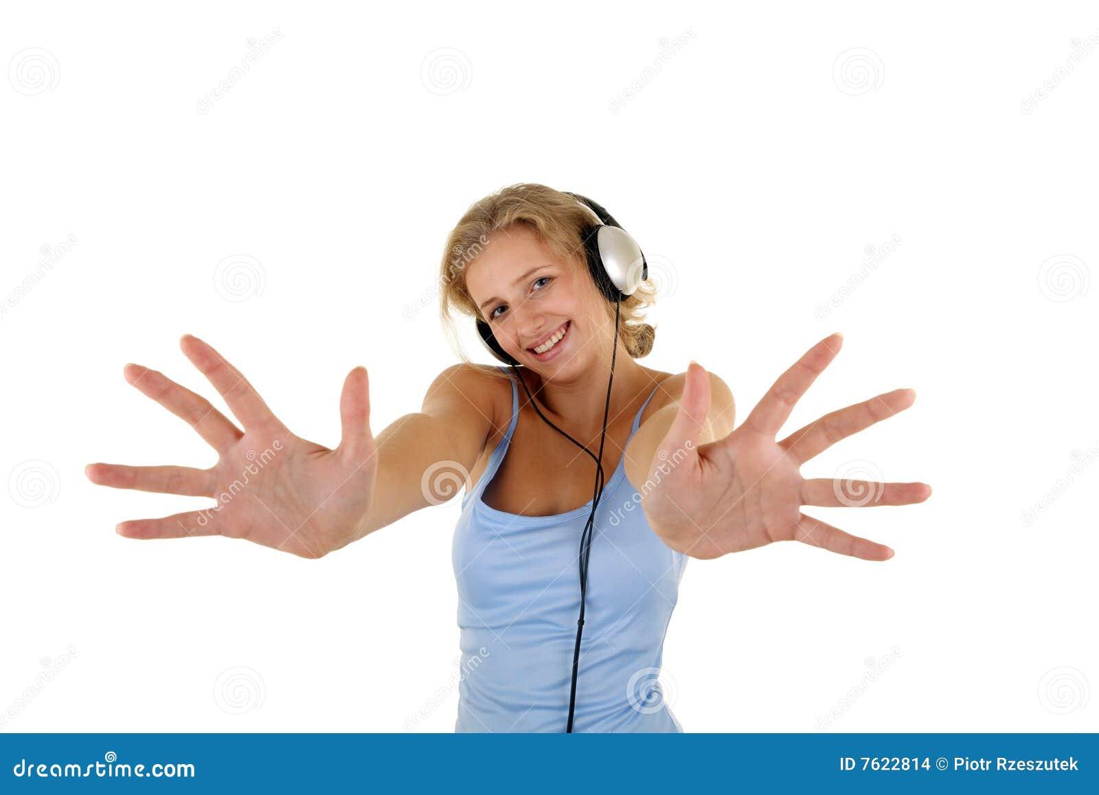 女孩听的音乐相当
