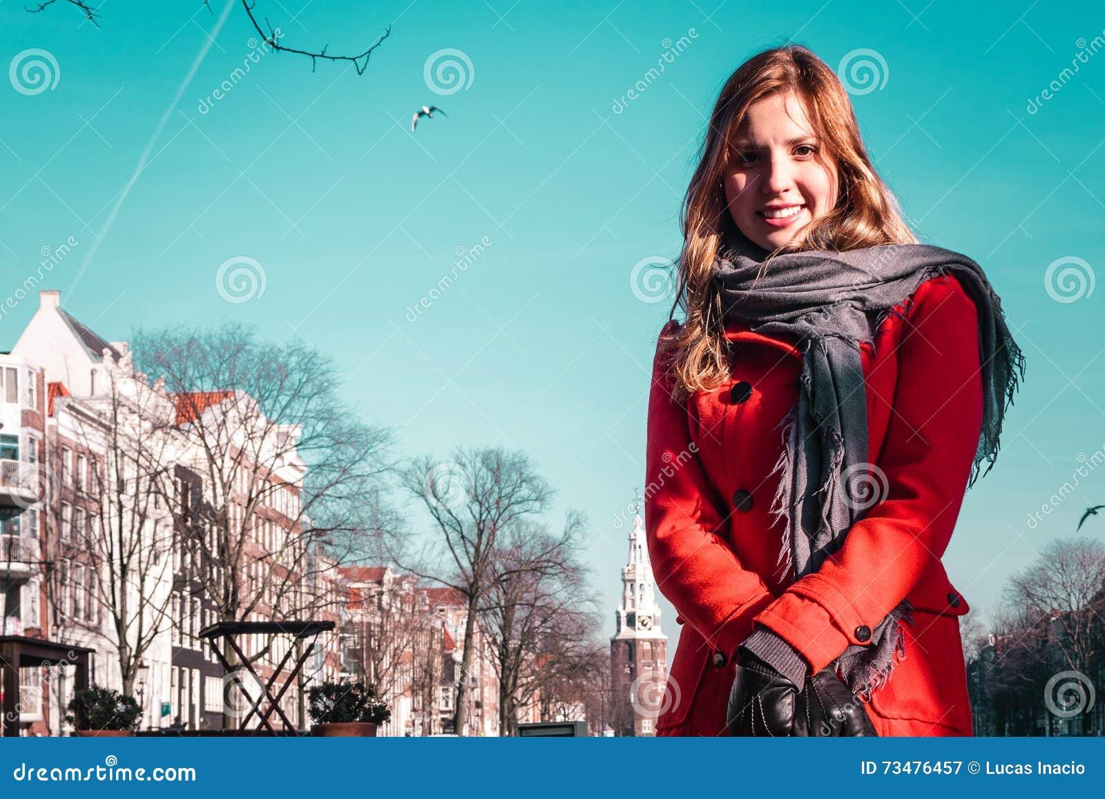 女孩在阿姆斯特丹荷兰