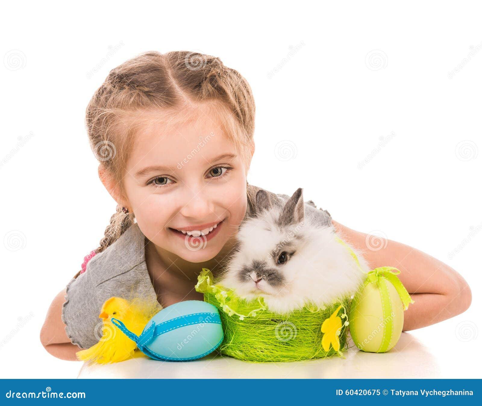 女孩小的兔子