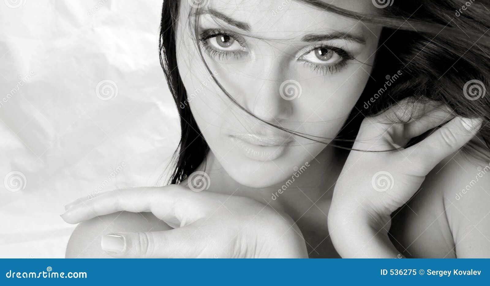 Download 女孩纵向 库存图片. 图片 包括有 新鲜, 别致, 重婚, beauvoir, 特写镜头, 全能, 女性, 眼睛 - 536275