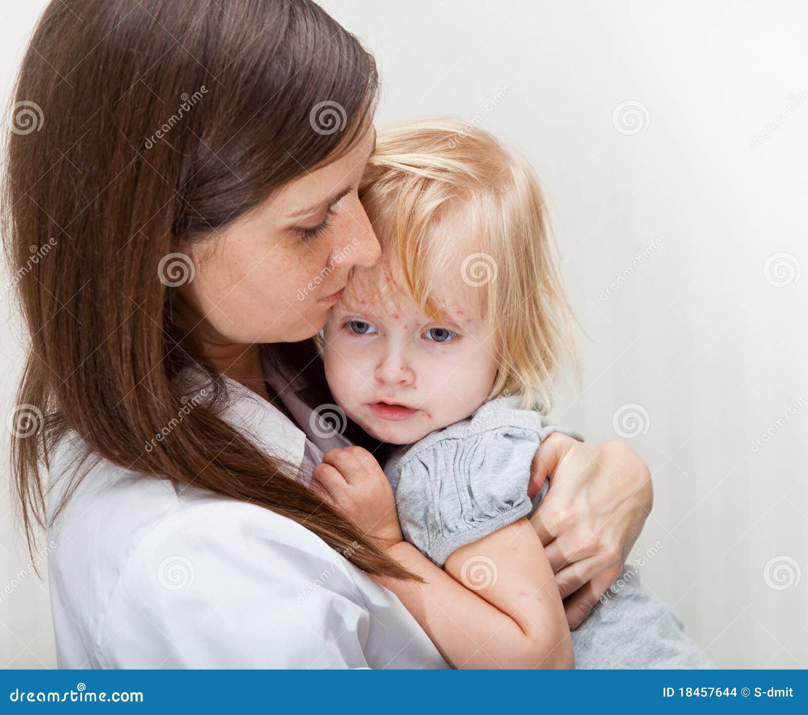 女孩藏品母亲病残