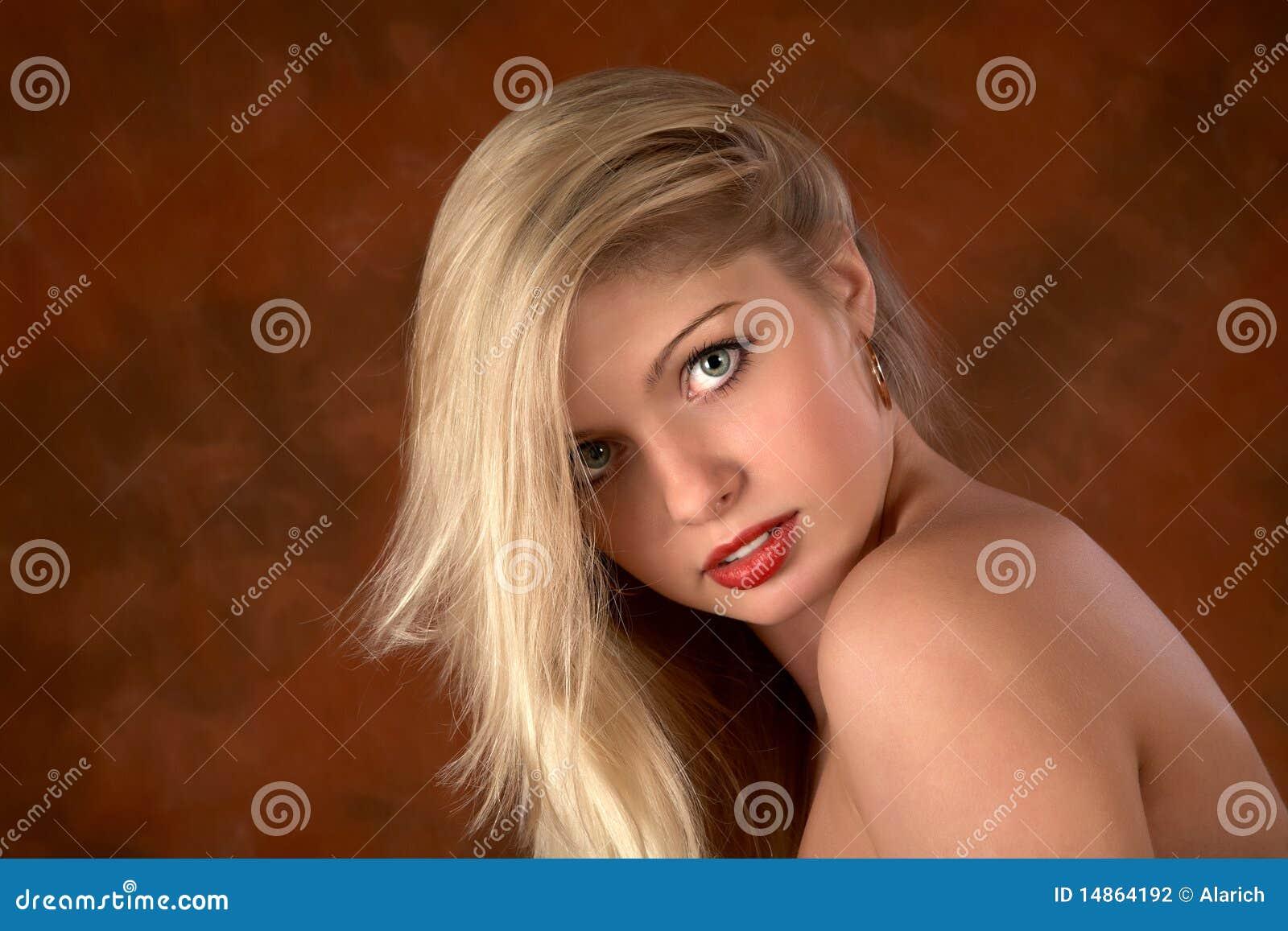 背景颜色女孩头发纵向白色.图片