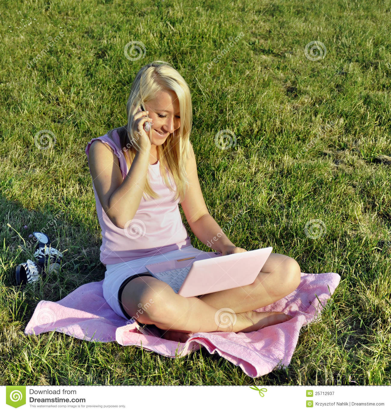 女孩netbook电话粉红色